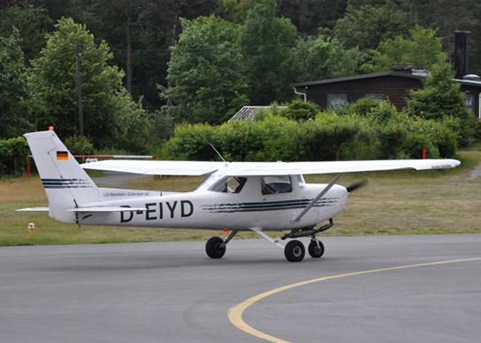 Lsv Flotte Cessna 152 D EIYD